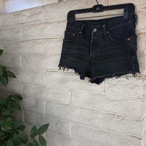Black Levi's 501 jean shorts